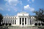 Экономика падает, доллар растет