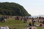 Лето собирает людей у моря