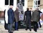 В Белгороде прошло церемониальное открытие памятника Солженицыну