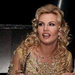 На Евромайдане появилась новая активистка  певица Камалия