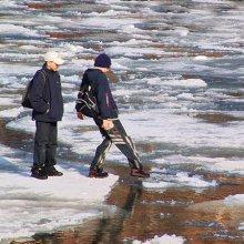 В Ростовской области утонули, провалившись под лед, два брата