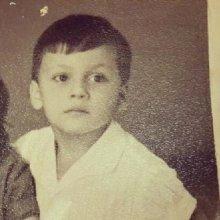 В Интернете на странице соцсети появилось детское фото Стаса Михайлова