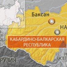 В Кабардино-Балкарии на автодороге идет бой полиции с неизвестными боевиками