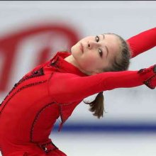 15-летняя Юлия Липницкая стала чемпионкой Европы по фигурному катанию