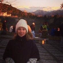 Альбина Джанабаева показала фотографию с отдыха без макияжа