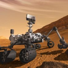 Марсоход Curiosity пропорол одно из своих колес об острый камень