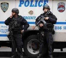 В США мужчина захватил дом и взял в заложники 13-летнего ребенка
