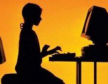 Сидение за компьютером увеличивает риск развития остеопороза у юношей