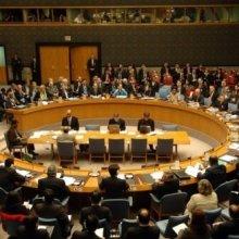 Совбез Украины обсуждает возможность введения режима ЧП на востоке страны