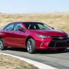 Toyota представитла обновленную версию седана Camry