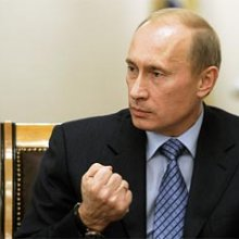 Песков заявил, что решение о воссоединении Крыма с РФ принимал лично Путин