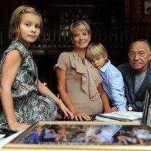 Родители Марии Кончаловской помогают дочери выйти из комы