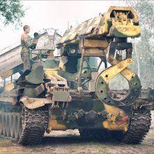 Ополченцы увезли с завода в Краматорске исправную инженерную машину