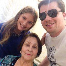 Асмус нашла общий язык с бабушкой Харламова
