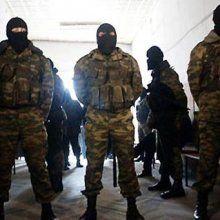 Донецкие ополченцы занимают ряд огневых позиций на крышах домов