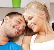 Ученые: Счастливые супружеской жизнью пары спят одинаково