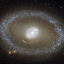 Hubble сделал фотоснимок необычной спиральной галактики NGC 3081