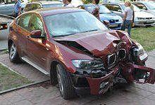 «BMW» въехал в здание диспетчерской