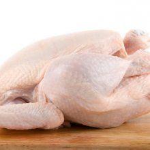 Мыть сырое мясо перед готовкой опасно для здоровья - специалисты