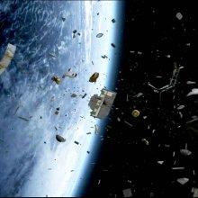Систему охлаждения МКС повредил космический мусор