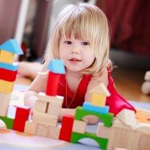 Дети, наблюдая за окружающими, учатся и делают меньше ошибок