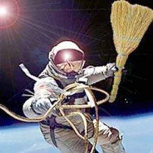 Аппарат для уборки околоземной орбиты от космического мусора создаст Роскосмос