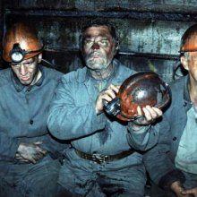 Восемь шахтеров остались под землей после землетрясения в Боснии