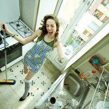 Ученые: Женщины проводит на кухне три года жизни