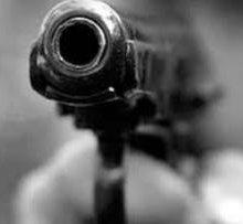 В центре Петербурга дебошир расстрелял посетителя кафе из травматического пистолета