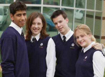 Количество секса у старшеклассниц связано с количеством прогулов уроков