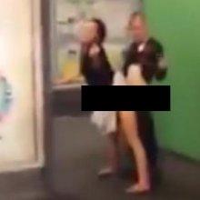 Пара занималась сексом в метро
