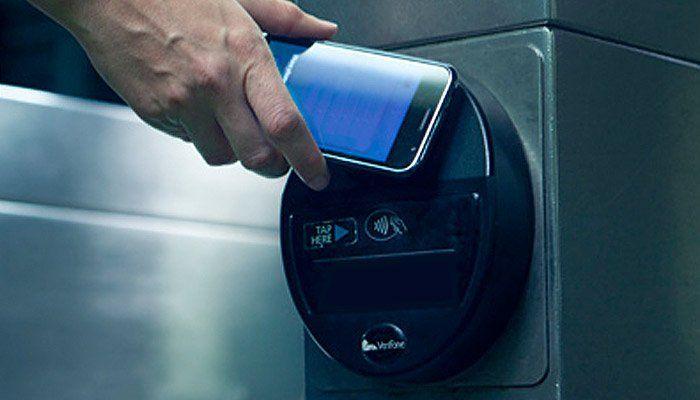 Проезд в московском метро можно оплатить при помощи смартфона