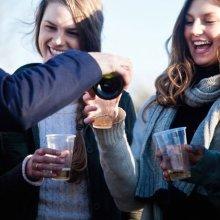 Мизулина поддерживает инициативу запрета продажи алкоголя до 21 года
