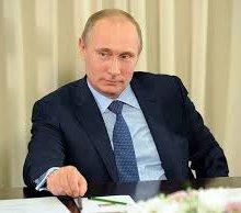 Владимир Путин: На снижение цен на нефть влияет политика ряда стран