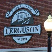 В Фергюсоне ввели ЧП из-за судимости полицейского, застрелившего темнокожего юношу