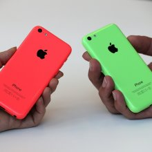 � ��������� ���� Apple ��������� ������������ iPhone 5C