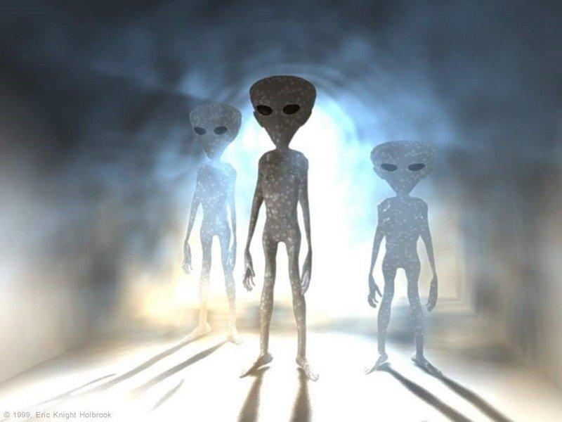 Пришельцы держат людей задураков, считают уфологи
