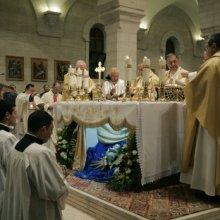 В главном костеле Москвы в канун Рождества собрались католики