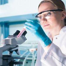 Ученые: Люди моложе 80 лет к 2050 году перестанут умирать от рака