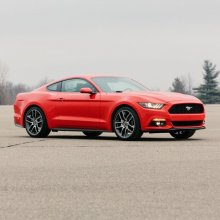 Ford �������� ����� � ������ ����� Mustang