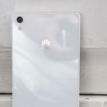 �������� Huawei Ascend P8 ������� ������������ ������