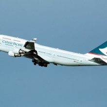 ��������� ������������ Cathay Pacific Airways ��������������� ��������� � �������