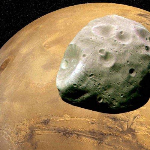 Ученые: Фобос и Деймос являются результатом столкновения Луны с Марсом