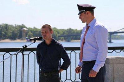 Кличко в фуражке насмешил Порошенко и Яценюка