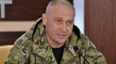 Ярош призвал силовиков игнорировать приказы Киева