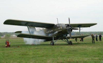 Самолеты Ан-2, летевшие в Саратов, дважды совершали вынужденную посадку