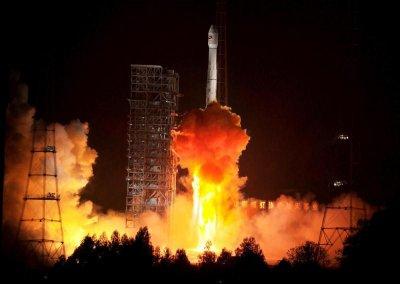 Китай удачно вывел в космос два навигационных спутника системы BeiDou