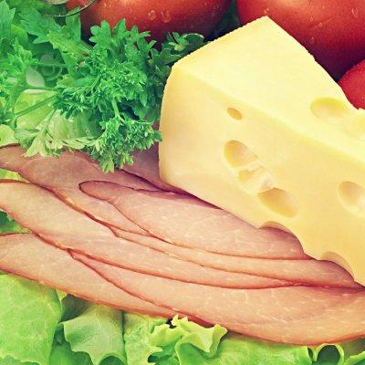 Ученые: Мясо и сыр помогают бактериям поразить организм