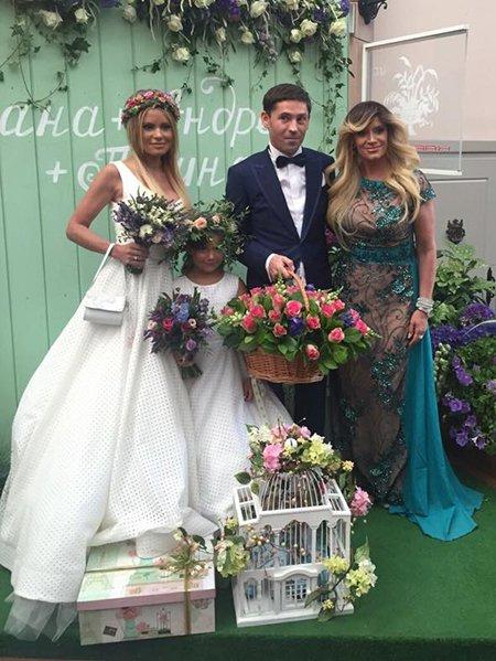 свадебное платье даны борисовой фото постирала синтепоновую