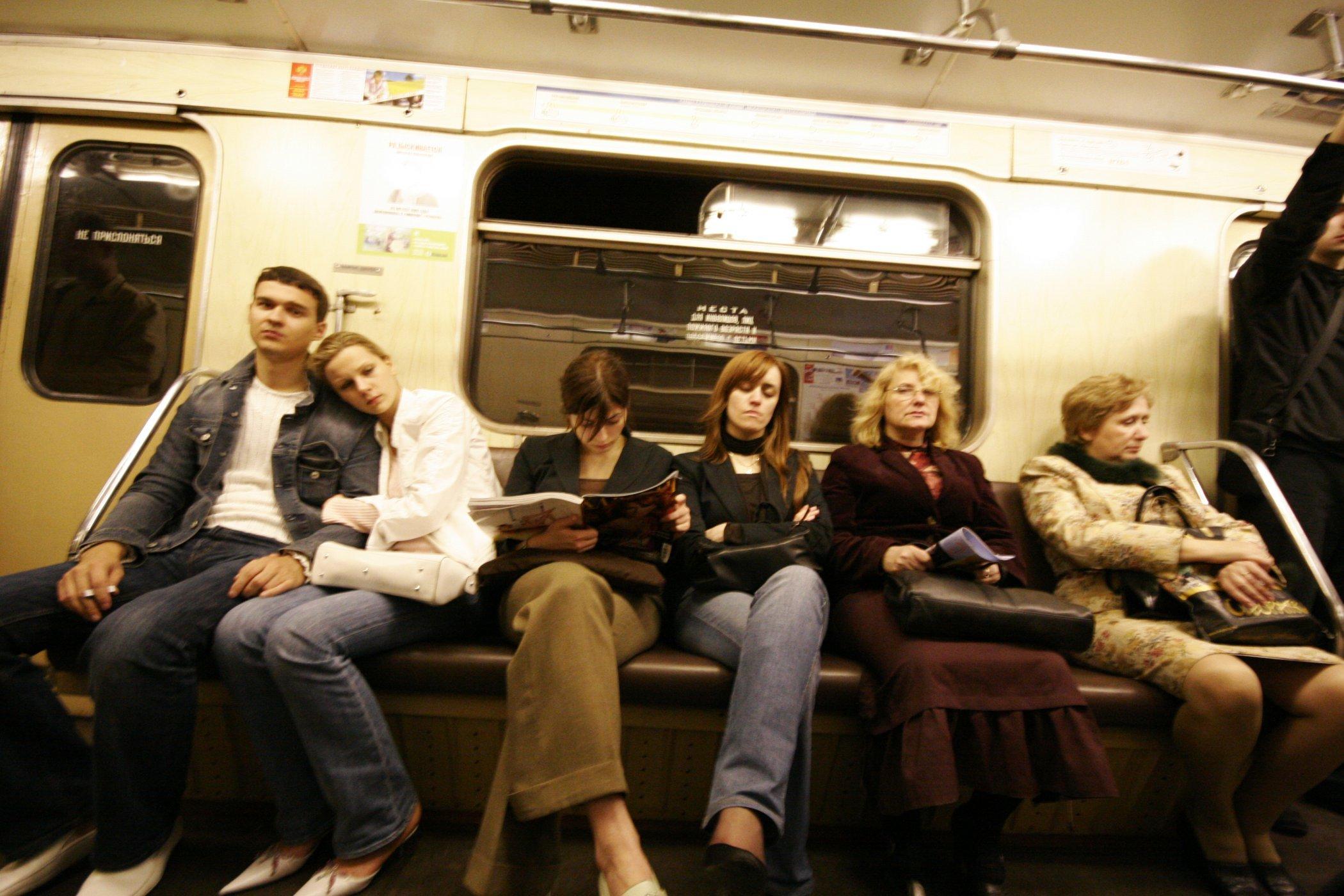 В вагоне метро секс